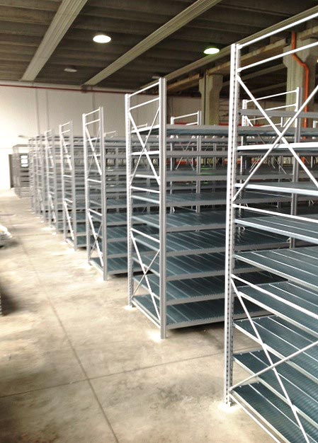 Scaffalature Industriali Modulblok.Scaffalature Leggere Easy Block Movicar Carrelli Elevatori